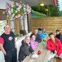 Spontane Weisswein-Pause im Regen auf der Buechmatt am Donnerstag, 21. Juni 2012