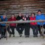 Gruppenbild in der Waldhütte
