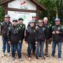 Das Foto zeigt die Teilnehmer der Tour am nördlichsten Punkt des Bundeslandes Nordrheinwestfalen.