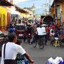 Die quirlige Calle Atravesada (Straße zum Markt)