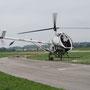 Mit dem Helikopter macht sich Bond auf die Suche nach Bösewicht Blofeld
