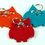 Schlüsselanhänger aus Filz in Eulenform in rot, orange, türkis/blau mit Schlüsselring Individualisierbar von biasto-laserdesign