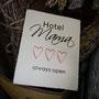 Hotel Mama - Keramiktafel - Berni