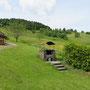 Schwarzwaldhütte gemauerter Grill im Garten