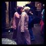 marokkanerinnen beim einkauf