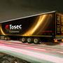 Vrachtwagen van Tosec, gefotografeerd en in decor geplaatst.