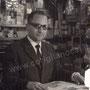 anni '70 - Tonino Cardamone all'interno del suo negozio all'Acquanova (foto S. Cardamone)