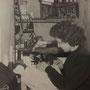 Anni '60 - Elvira Campolo (Viruzza) all'interno del suo laboratorio di maglieria in via ?????