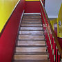 La nouvelle montée d'escaliers de la mairie, refaite conjointement par les agents techniques et la menuiserie du Château.