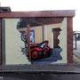 Freiwiöige Feuerwehr in Berlin mit Graffit Dose an die wand gemalt
