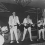 OETY & his REAL ROCKERS (mei 1961) vlnr: Errol Johannes, Alphons Faverey (Stratocaster), Oety Johannes, Shorty Miller, Rudi Piroeli. Na het vertrek van OETY gingen ze met zijn vervanger Sammy Faverey verder als THE STRANGERS.