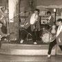 OETY & his REAL ROCKERS in Weindorf, Frankfurt (1960) vlnr: Gerard Buskop, Errol Johannes, Walter Kohn, Franky Franken, Oety Johannes en Peter Theunissen