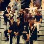 """The Timebreakers samen met The Golden Earrings op 29 juli 1968 tijdens de pauze van het VARA TV programma """"Puntje...Puntje...Puntje..."""" gepresenteerd door Sonja Barend"""