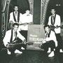 The Tielman Brothers bij de ingang van Dancing Westhof, Heidelberg 1960