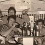 The Four Tielman Brother in hun woonwagen van circus Fischer in Oldenburg