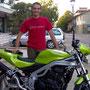 Adriano e la sua verde Speed con il raccordo dello scarico personalizzato