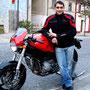 Federico con la sua Ducati S2R ben stabile con il cavalletto Monorevers