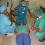 Erste Hilfe Ausbildung im Aufwachraum, gleichzeitig wurden Patienten überwacht