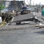 eine völlig zerstörte Brücke