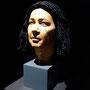 Der rekonstruierter Kopf samt Perücke des Idu in der Ausstellung im Roemer-und Pelizaeus-Museum