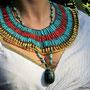 Halskragen mit ägyptischen Ton- und Metallperlen, Design: Daniela Rutica, Foto: Birgit Fiolka