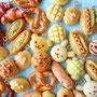 IBUKIベーカリー      https://twitter.com/IbukiMoco    https://www.instagram.com/ibuki_moco 樹脂粘土でかわいいフェイクパンを制作しています。みなさまにほっこり♡あたたかな気持ちをお届けできますように♪