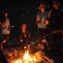Feu de camps lors d'un bivouac avec les 8-13 ans