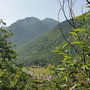 vue sur la vallée en grimpant la Porteille d'Orgeix