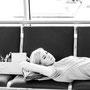 Don't mind the gap! Jessica sorgt mit vollem Körpereinsatz dafür, dass bei uns nichts auf die lange Bank geschoben wird.  © Laion.de
