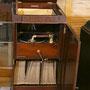 MELAPHONE pego 中の蓄音機が取り出せる。モーター音が静か。 1918~1920年頃