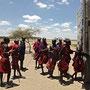 Masai stauen über Mathilda