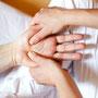 Ahhh, eine angenehme Handmassage!