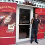 Inhaber des Y JULIETA - finest cigars und selbst leidenschaftlicher Zigarrenliebhaber: Fuat Yalcinkaya