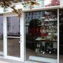 Eingang im Innenhof des Almeida Palais, Brienner Str. 14 • Y JULIETA - finest cigars • München