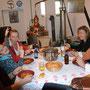 Stärkung zwischendurch mit Oma und Martin, muss unbedingt sein