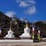 Stupas auf dem Schulgelände