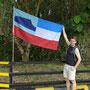 Die Flagge von Sabah zeigt den Mount Kinabalu