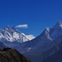 Everest, Lhoste und Ama Dablam (6812 m)