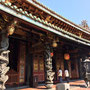 Innerhalb des Bao'an Temple...