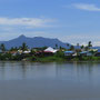 Siedlung jenseits des Sarawaks...
