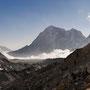 Wolken schieben sich durchs Tal