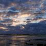 ...begrüßt uns mit einem wunderbaren Sonnenaufgang!