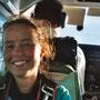 Im Flugzeug kurz vor meinem ersten Fallschirmsprung!