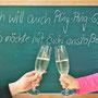 Wenn's was zu feiern gibt will auch Mini nicht außen vor bleiben, wenn auch ohne Aikkewohl: Prost!