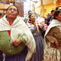 Bolivian women in a Pentecostal worship