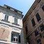 typische Häuser in der Altstadt Genuas