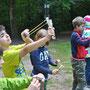 2. Tag: Übungsschießen mit Papierkügelchen