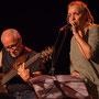 Duo concert Qui comme Ulysse. Jack Tocah, guitare basse; Carole Simon-Tocah, autrice, chanteuse, compositrice. Lundi 7 juin 2021, Cénac