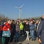 """Schüler der OS Ruhland bei der Exkursion zum Projekt """"Grüner Lausitzring"""". (Bild: lr-online.de)"""
