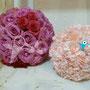 Esferas de rosas y claveles para centros de mesa muy romanticos